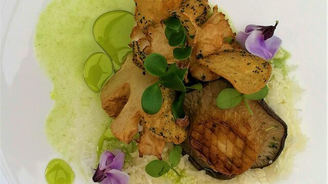 Gefrituurd bloemkoolhart met Konings oesterzwam