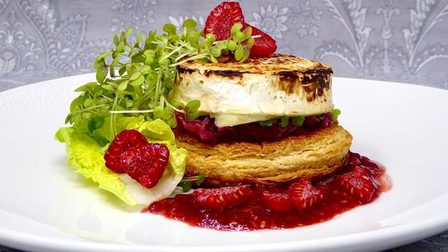 Goat cheese and raspberry tart