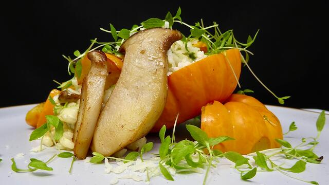 Cucurbitaceae and mushroom risotto