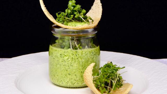 BroccoCress Pesto