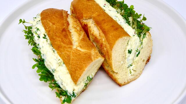 Egg and mayonnaise baguette