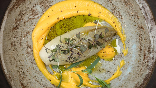 Ground chicory cooked in a broth of orange, pine cone, liquorice, tarragon and cloves