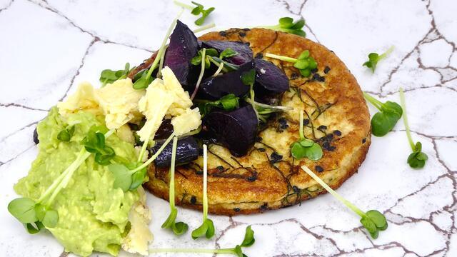French toast aux œufs et carottes violettes rôties