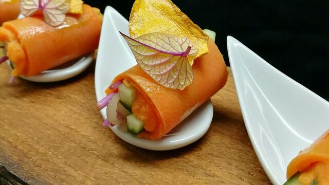 Sweet potato rolls with pickled cucumber and Sweet Peeper
