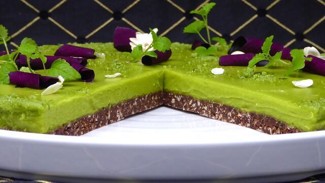 "Zoete vegan avocado ""cheesecake"" taart"