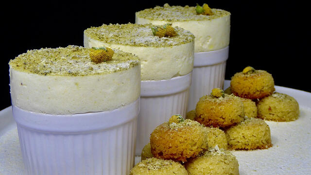 Sechuan Buttons frozen souffles with shortbread biscuit