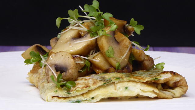 BroccoCress omelet and sautéed mushrooms