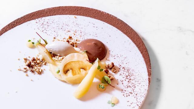 Caramelcrème, champignonijs, chocolade-espuma, Vene Cress, BroccoCress