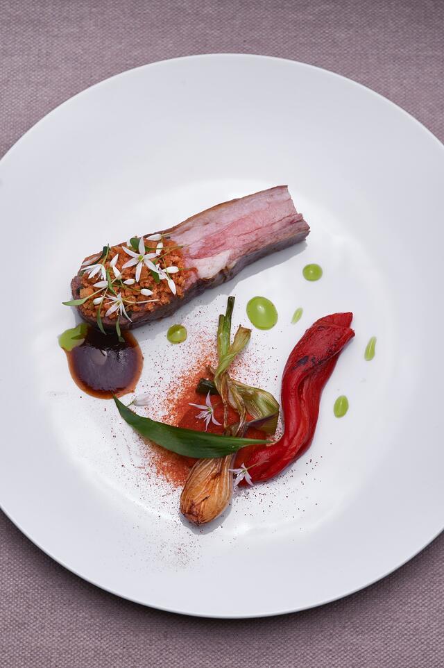 Sisteron lamb, red onion, sobrasada, natural gravy with udu pepper, Ghoa Cress