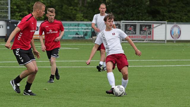 Geslaagd voetbaltoernooi levert €2000,- op voor Team Westland