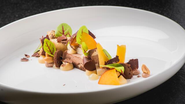 Nectarine, chocolade en yuzu