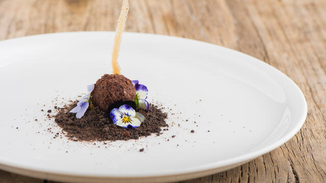Cornabria Blossom, Atsina Cress and praline with cocoa sand