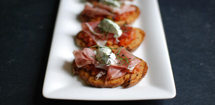 Bruschetta with antiboise and Rock Chives® crème fraîche
