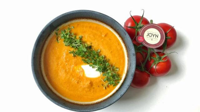 Tomato ginger soup with RucolaCress