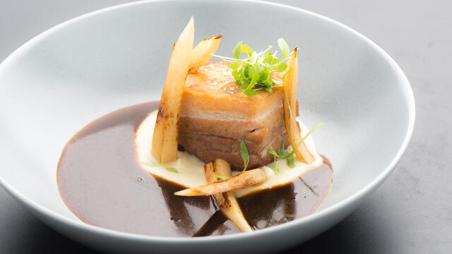 Pork belly with cream of parsley root
