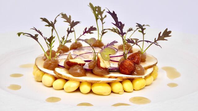 Champignons, soja, radis et purée de châtaignes