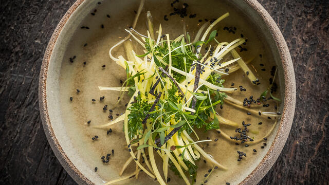 Yellow carrot and chervil salad with nori, sesame and ice tea