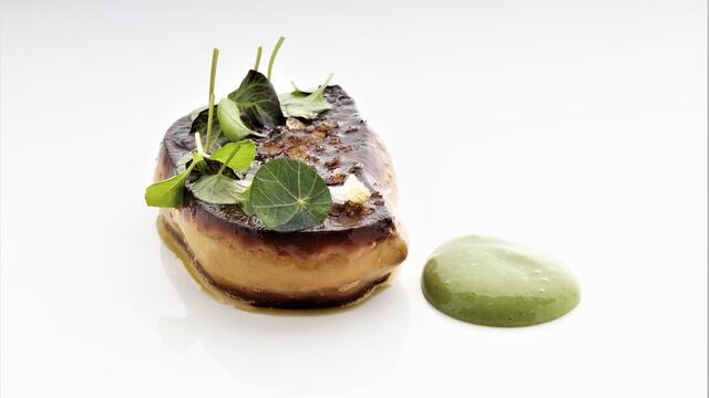 Fried foie gras with garden sorrel sauce and herbs