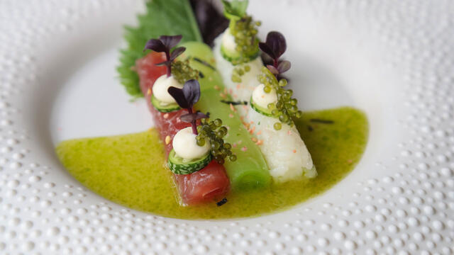 Tuna, sticky rice, cucumber