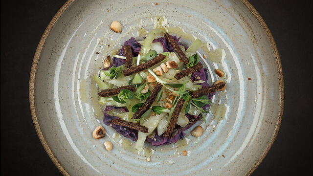 White cabbage tagliatelle, mashed red cabbage, hazelnut, crusts of pumpernickel bread