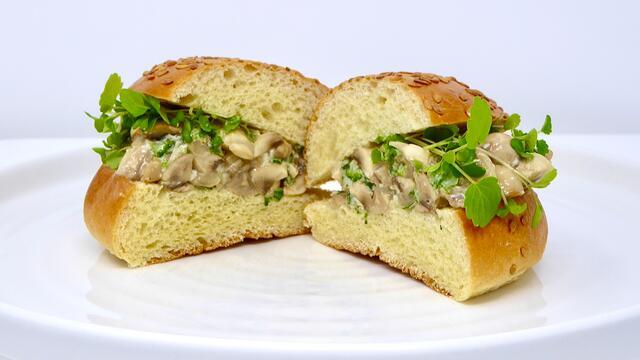 Paddestoel en gorgonzola broodje
