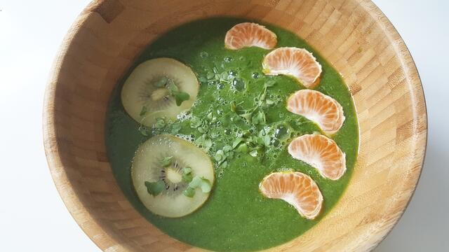 Mean Green Smoothiebowl with Brocco cress